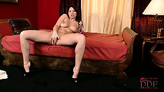 Zafira cums from her purple toy sliding in and out of her pussy