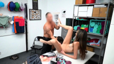 Thief Teen and stepmom banged by officer